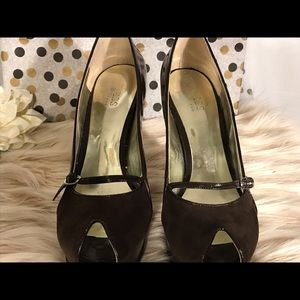 Guess by Marciano brown patent and suede heels